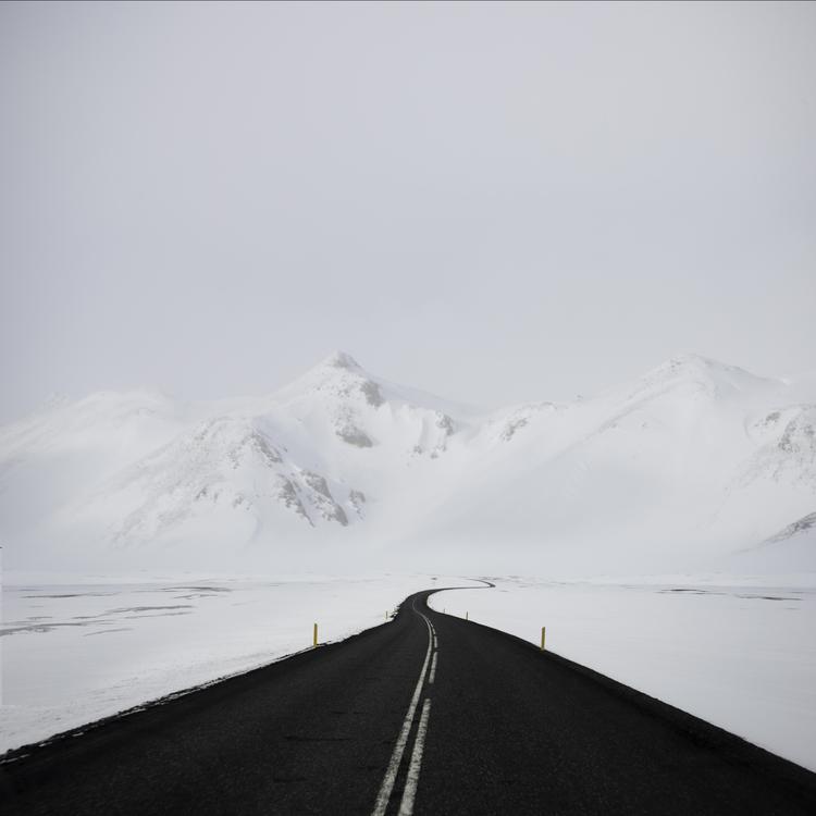 İzlanda'da Yol Olmak