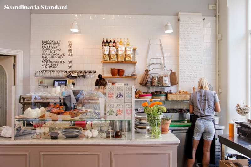 pom-flora-counter-breakfast-brunch-in-stockholm-scandinavia-standard