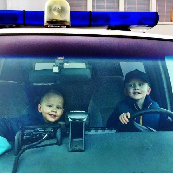 reykjavik-police-department-instagram-logreglan-iceland-2-605x605